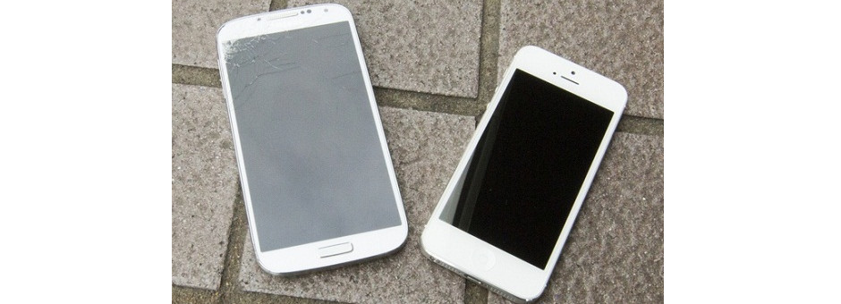 iPhone 5 contre Samsung Galaxy S4 : le match du plus résistant